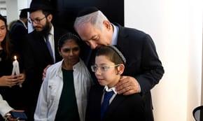 PM Netanyahu and Moshe Holtzberg Visit Chabad House in Mumbai