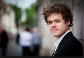 Grosvenor was generous and brilliant: a music review by Fraser Beath McEwing