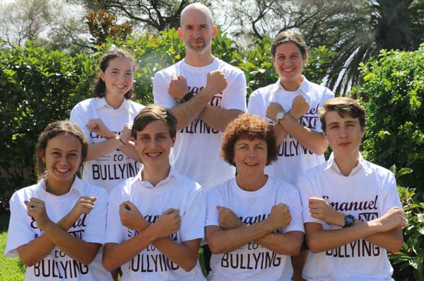 Principal, Anne Hastings and Acting Deputy Principal, Adam Majsay, share an important message with the help of the Student Representative Council leaders:  Back row L to R: Talia Rubinstein and Chloe Corne  Front row L to R: Yael Grunseit, Richard Yavits and Max Woolf