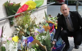 Jones visits Paramatta mosque