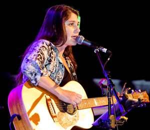 Nikki Kurta