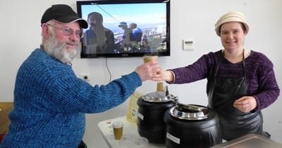 Thanks to Pesach Steinberg, Karen Lutchner and the Kook Kitchen volunteers, more and more happy community members come to the Lamm Library for warm soup & chat Tuesdays