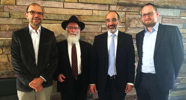 Rabbi Genende, Rabbi Mordechai Gutnick, Chief Rabbi Warren Goldstein ans