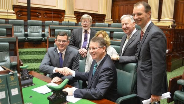Daniel Andrews and Dr Denis Napthine sing the London Declaration