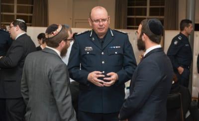 Victoria Police unites with Jewish Community - Victoria Police News 2015-11-27 12-11-28