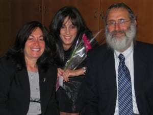 Dux Brookie Milecki with parents Rabbi Benzion and Rebbitzen Henya Milecki
