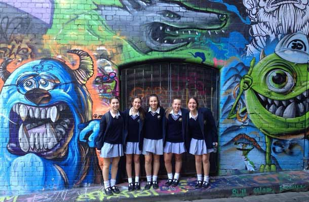 Jaime /Dorfman, Sara Zelinger, Ashley Tzun, Ariella Grunfeld and Gaby Szuster in Hosier Lane
