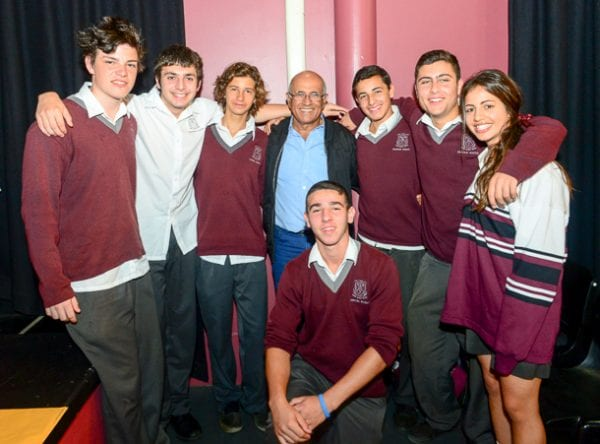 Kahalani with Emanuel students    all pix: Henry Benjamin