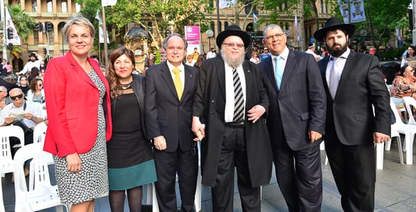 Tanya Plibersek, Sophie Cotsis, David Clarke, Rabbi Pinchas Feldman, John Ajaka and Rabbi Elimelech Levy Photo: Henry Benjamin/J-Wire