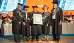 Isi Leibler (center) with (from left to right) Bar-Ilan University President Rabbi Prof. Daniel Hershkowitz, former Soviet Prisoner of Zion Dr. Ari Volvovsky, Mrs. Naomi Leibler, and Internet Entrepreneur Dr. Yossi Vardi upon receiving an honorary doctorate from Bar-Ilan University      Photo: Chen Damari