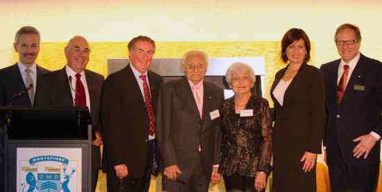 Honorary Treasurer Tom Mautner, Honorary Secretary Max Kahn, Vice President Gary Inberg, Residents Maurie Zamel, Resident Josie Zamel, Hon Justine Elliot MP, Minister for Ageing, Montefiore President David Freeman AM.