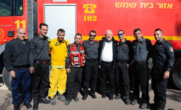 President Rivlin meets firefighters    Photo:  Mark Neiman