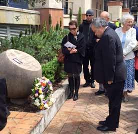 Ambassador Yavne lays a wreath  Pic: Amos Palfreyman