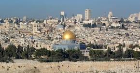 Jerusalem police arrest 5 Arab rioters in Sheikh Jarrah