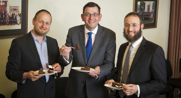 Rabbi-Moshe-Kahn,-Daniel-Andrews610-MP-and-Rabbi-Daniel-Rabin