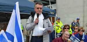 Steve Lieblich addresses the crowd