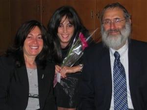 Dux Brookie Milecki with parents Rabbi Benzion and Rebbitzen Henya Milecki