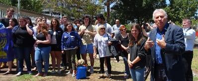 Dr Danny Lamm farewells the Melbourne contingent